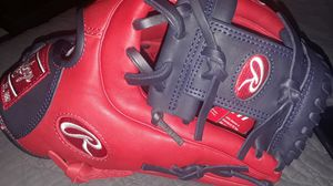 Red and black rawling baseball glove for Sale in Silver Spring, MD