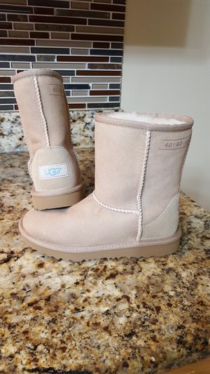 New Girl's UGG Boots for Sale in Dallas, TX