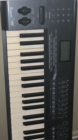 AXIOM 49 M-AUDIO 49-Key Semi-Weighted USB MIDI Controllers for Sale in Garden Grove, CA