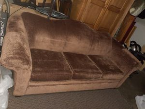 """Brown couch No smoke and no pets. Nice couch made of very good quality material.Dimensions 89""""w by 34"""" H and 38 deep no rips and no stain . for Sale in Kent, WA"""