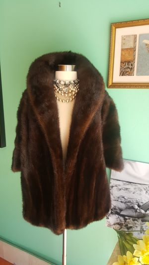 Luxury Bullock's Genuine Mink Fur Shawl, Cape. Made in USA for Sale in San Diego, CA