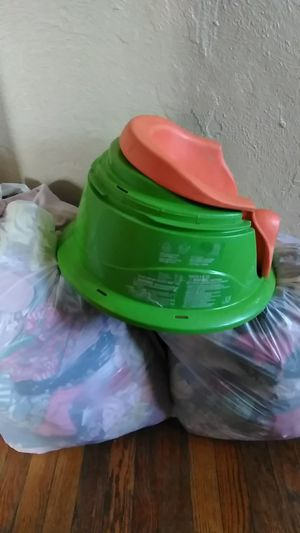 0 to 6 months bags girls and bumbo seat for Sale in Detroit, MI