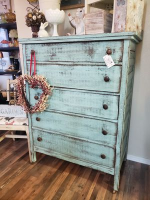 Antique 5 drawer dresser for Sale in Tacoma, WA