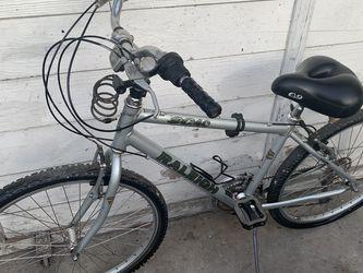 Bicicleta en buenas condiciones for Sale in Long Beach,  CA