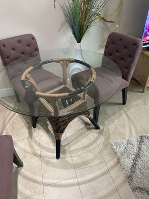 Table and 4 chair for Sale in Deerfield Beach, FL