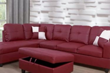 Beautiful Sectional And Ottoman for Sale in South Hill,  WA