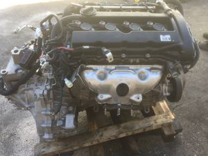 2015 Jeep Patriot 4 cylinder motor w/ trans Ok and parting out 2007 Toyota Have doors rt. & Lt one and other parts car os Gone Ok Read post ! for Sale in Las Vegas, NV