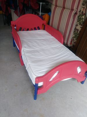 Kids bed. 18x52. W/ mattress very good condition for Sale in Central Lake, MI