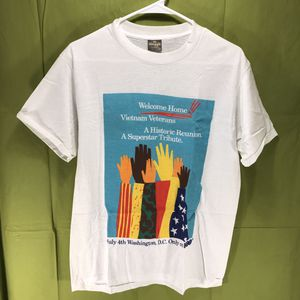 Vintage 1987 HBO Welcome Home Vietnam Veterans Concert T-Shirt Men's Large for Sale in Anchorage, AK