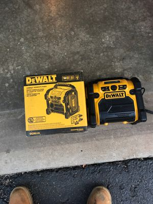 Dewalt compact worksite radio for Sale in Bolingbrook, IL