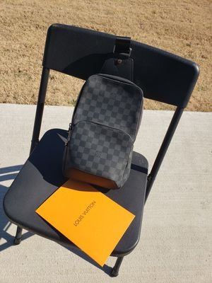 Louis Vuitton Sling bag for Sale in Princeton, TX
