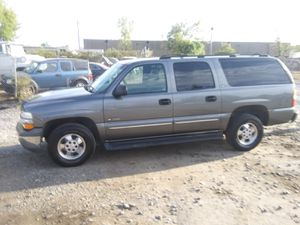 2000 Chevy Suburban Ls 200k miles runs and drives 3rd row!!! for Sale in Fort Washington, MD
