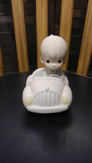 """Vintage precious moments """"im following jesus""""figure pm862 (boy ,car,bible) 1986 olive branch mark. for Sale in Avocado Heights, CA"""