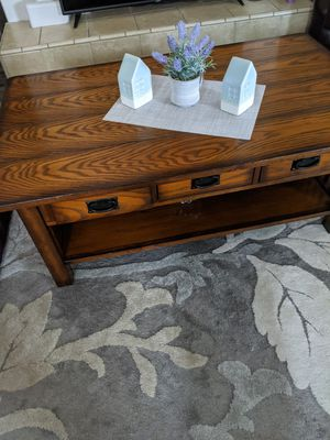 Nice coffee table for Sale in Chowchilla, CA