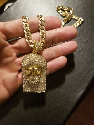 14k gold plated Iced out Jesus Pendant on cuban chain 24' for Sale in Middletown, CT
