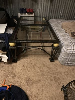 Coffee table and couch for Sale in Houston, TX