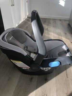 Uppababy Mésa car seat with base for Sale in Los Angeles, CA