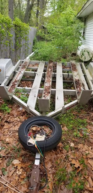 Aluminum 3 bike trailer with title for Sale in North Haven, CT