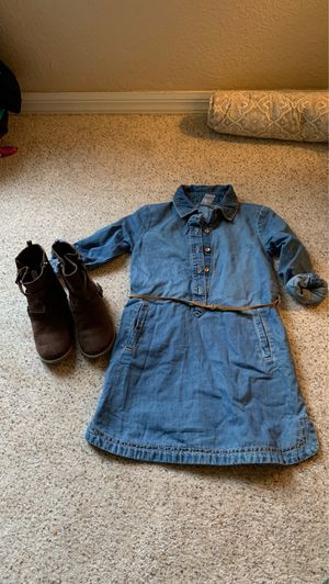 Girls boots & jean dress 5T for Sale in Mulberry, FL