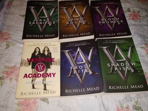 Whole Vampire Academy Series for Sale in Fresno, CA