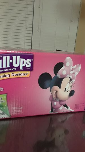 Pull-Ups for girls 2T-3T 124 count for Sale in Porter, TX