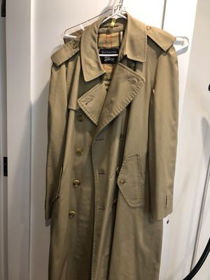 Burberry men's trench - 44R for Sale in Boston, MA