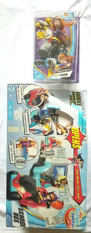 DC SUPER HERO GIRLS SCHOOL BUS AND BATGIRL DOLL SET for Sale in Las Vegas, NV