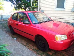 Hyundai accent 02 for Sale in Cleveland, OH