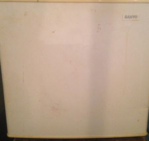 Sanyo refrigerator for Sale in Imperial, MO