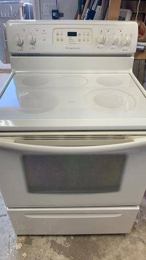 Frigidaire Stove top and Microwave for Sale in San Marcos, CA
