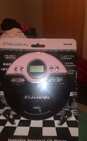 Personal CD player with FM Stereo by Studebaker for Sale in Saint Paul, MN