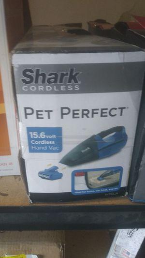 Shark cordless pet perfect 15.6 volt cordless hand vacuum for Sale in Riverside, CA