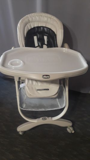Chicco baby high chair. for Sale in Riverside, CA