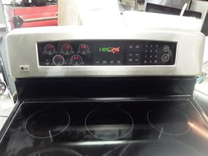 Stove electric LG 220V for Sale in The Bronx, NY