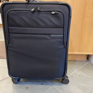 """Briggs & Riley 21"""" International Carry On Spinner for Sale in Delray Beach, FL"""