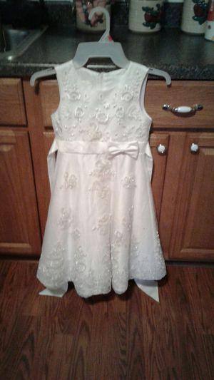 Beautiful little girls dress. Size 7. for Sale in Kingsport, TN