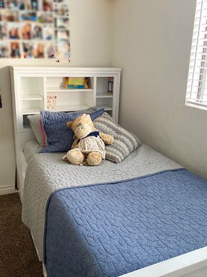 Twin trundle bed w/ storages for Sale in Redondo Beach, CA