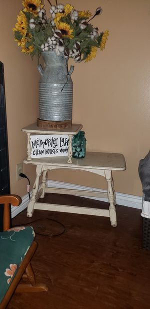 Antique side table for Sale in Carson, CA
