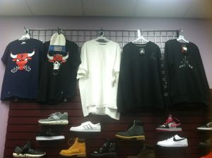 Jordan sweatshirts and graphic tees for Sale in Chicago, IL