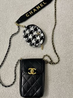 vip chanel makeup phone bag for Sale in Wilmington,  NC