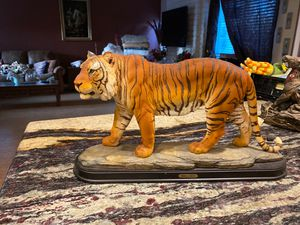 Antique giavanni collection statue for Sale in Irvine, CA