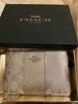 Coach purse for Sale in Turlock, CA