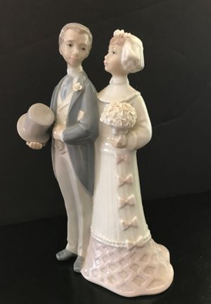 Lladro Figurine Bride & Groom #4808 for Sale in Pflugerville, TX
