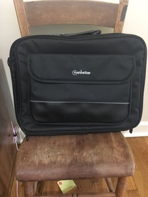 Laptop carrying case for Sale in Meridian charter Township, MI