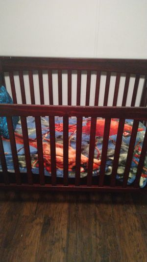 Baby crib with mattress and walker for Sale in Zephyrhills, FL