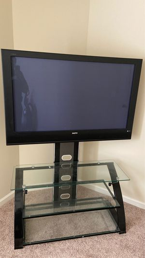 50 inch Sanyo tv and Tv stand for Sale in Fairburn, GA
