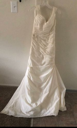 Wedding dress for Sale in Linthicum Heights, MD