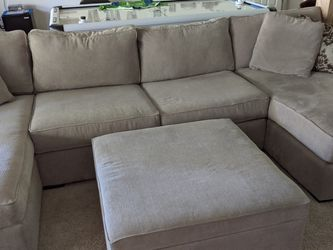 Sectional Couch For Sale Excellent Condition for Sale in Snohomish,  WA