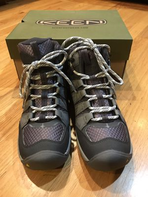 Keen women hiking boots for Sale in Hampton, NJ