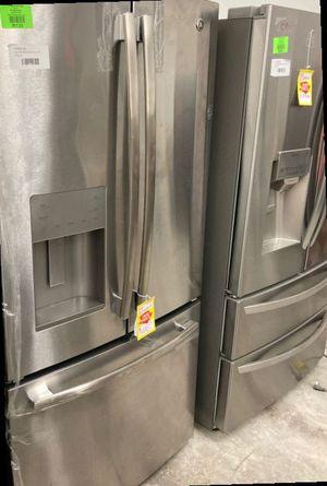 GE Refrigerator GYE18JSLSS 17.5 cu. Ft L3 for Sale in Houston, TX